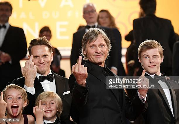 Graphic content / US actress Shree Crooks US director Matt Ross US actor Charlie Shotwell US actor Viggo Mortensen and Australian actor Nicholas...