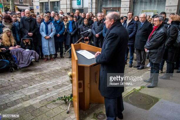 Gérard Collomb lors d'un discours en hommage à AnneLaure victime d'un chauffard le 3 décembre 2016 à Lyon France