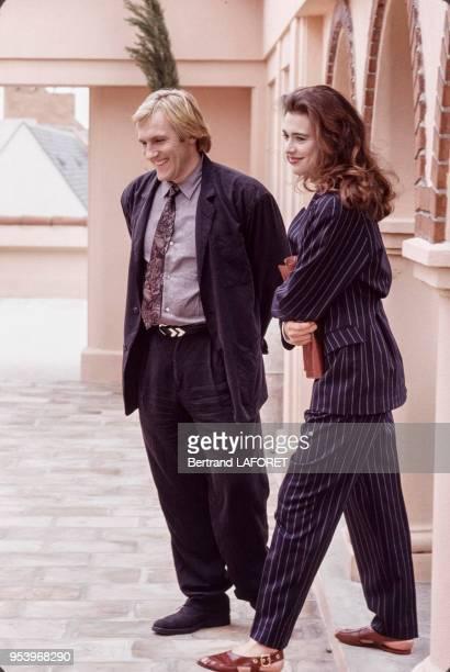 Gérard Depardieu et Maruschka Detmers lors du tournage du film 'Deux' réalisé par Claude Zidi en juin 1988 à Paris France