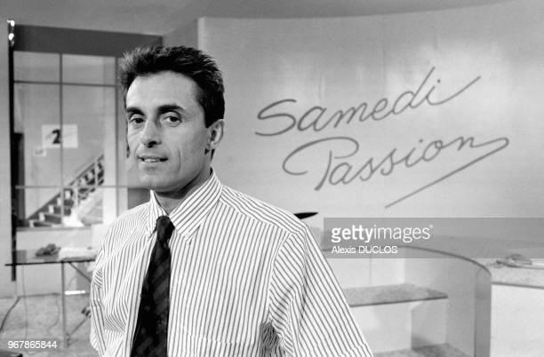 Gérard Holtz sur le plateau de l'émission 'Samedi Passion' sur Antenne 2 à Paris le 26 septembre 1987 France