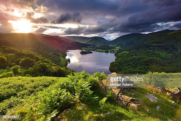 grasmere in the lake district - lake district stockfoto's en -beelden