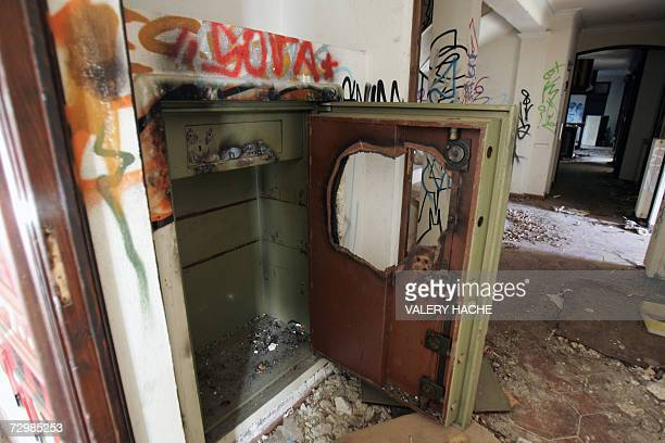 A picture taken 12 January 2007 in Grasse southern France showing the interior of a former Iraqi leader Saddam Hussein's half brother Barzan...