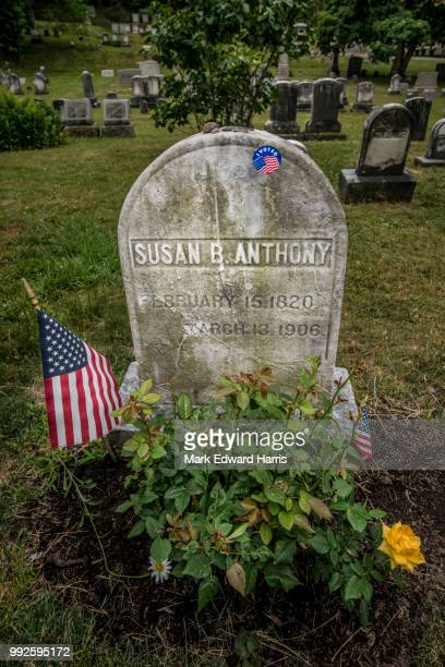 grave of susan b. anthony, rochester, new york - susan b anthony stock photos and pictures