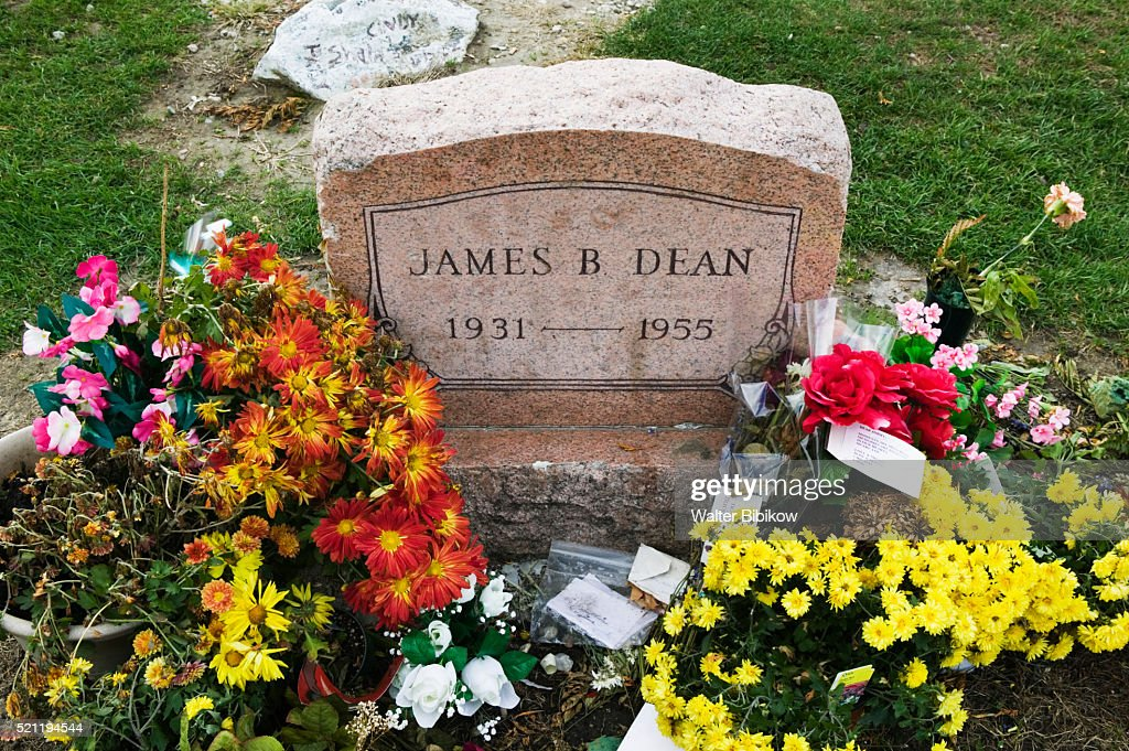 Grave Site Of Actor James Dean Photo - Getty Images