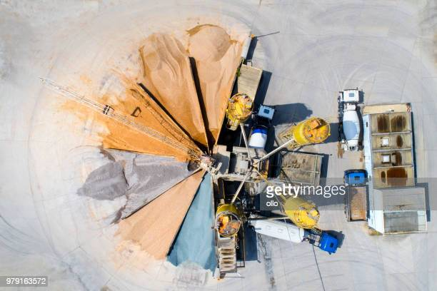 gravel and sand open pit mining - crane construction machinery stock pictures, royalty-free photos & images