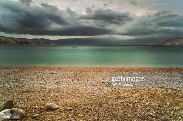 gravel beach, baska, krk, primorje-gorski kotar county, croatia - アドリア海 ストックフォトと画像