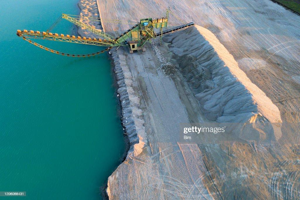 砂利鉱山機械, 空中写真 : ストックフォト