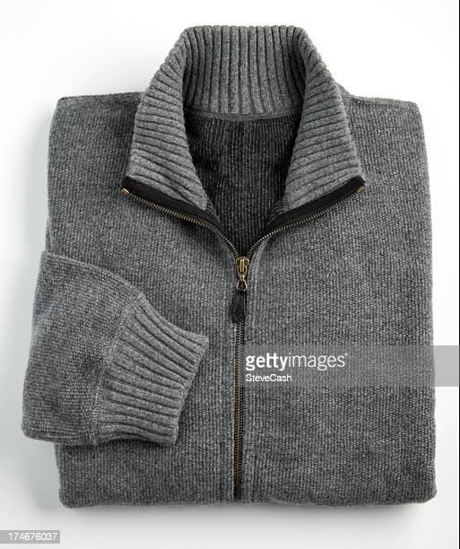 Maglia in Cashmere grigio su sfondo bianco