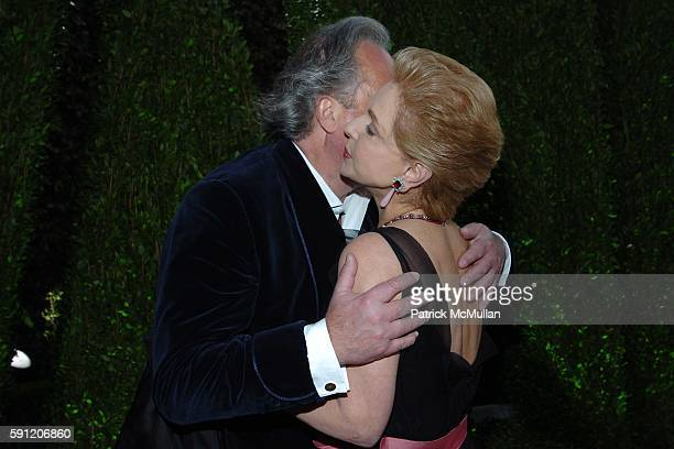 Graydon Carter and Carolina Herrera attend Vanity Fair Oscar Party at Morton's Restaurant on February 27 2005 in Los Angeles California