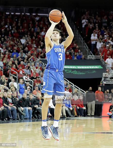 Grayson Allen of the Duke Blue Devils shoots the ball during the game against the Louisville Cardinals at KFC YUM Center on January 14 2017 in...