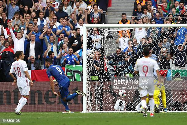Graziano Pelle of Italy scores a goal to make the score 20 during the UEFA Euro 2016 Round of 16 match between Italy and Spain at Stade de France on...