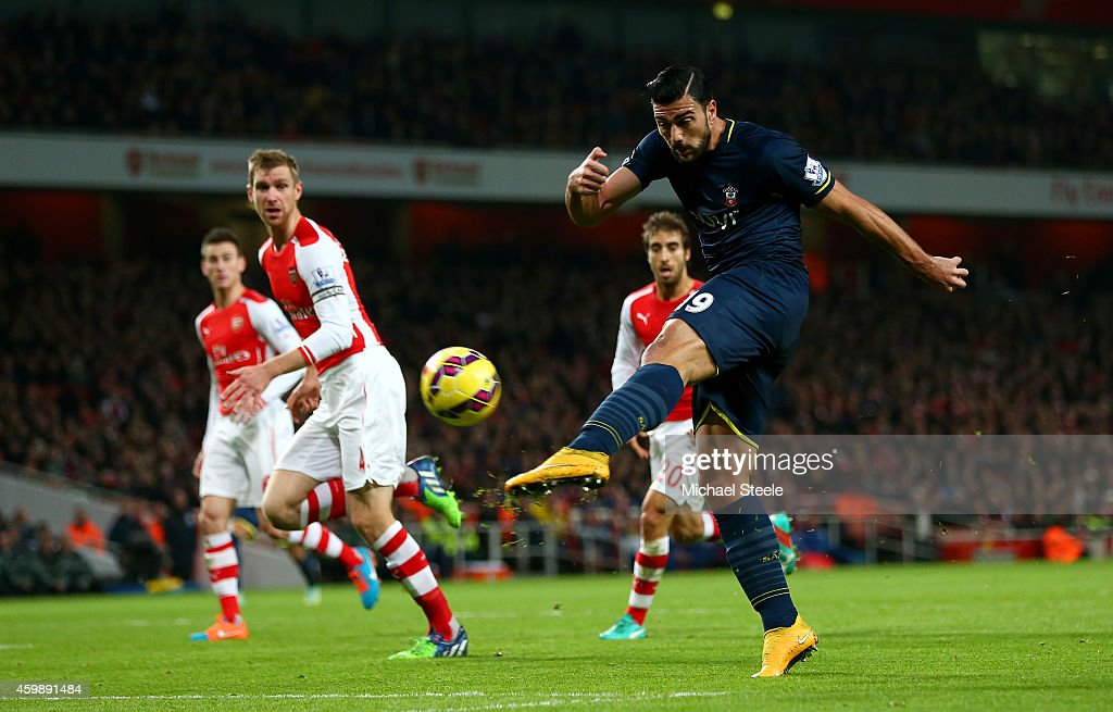 Graziano Pelle of Southampton shoots at goal during the Barclays Premier League match between Arsenal and Southampton at Emirates Stadium on December 3, 2014 in London, England.