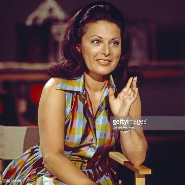 """Graziella Sciutti, italienische Opernsängerin, zu Gast in der Musiksendung """"Schöne Stimmen"""", Deutschland 1976."""