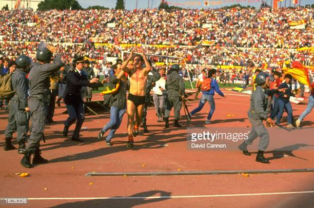 F Grazziani of AS Roma celebrates after they win the European Cup SemiFinal against Dundee United at the Olympic Stadium in Rome AS Roma won the...