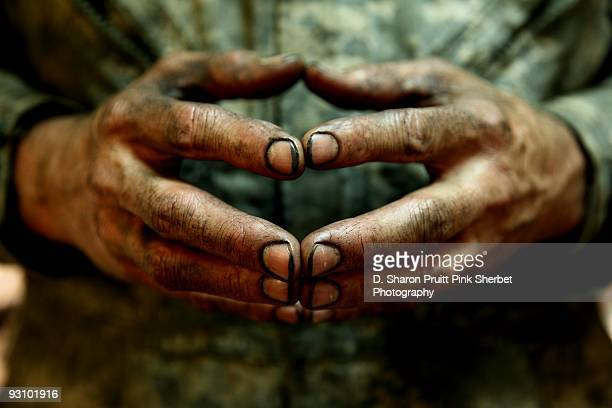 greasy dirty mechanic man hands and fingers - mechanic stock pictures, royalty-free photos & images