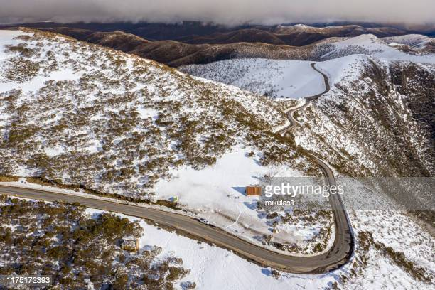 great alpine rd, hotham - victoria australia stock pictures, royalty-free photos & images
