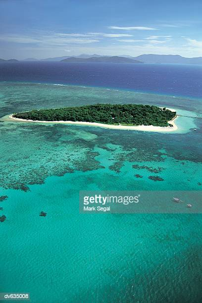great barrier reef, australia - great barrier reef aerial stock pictures, royalty-free photos & images