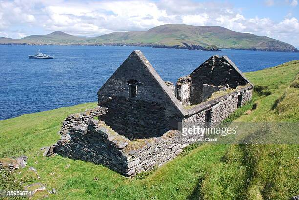 great blasket island - great blasket island stock pictures, royalty-free photos & images