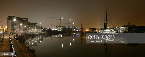 ss great britain and the matthew, night, fog, bristol, england, uk - tony howell stock pictures, royalty-free photos & images