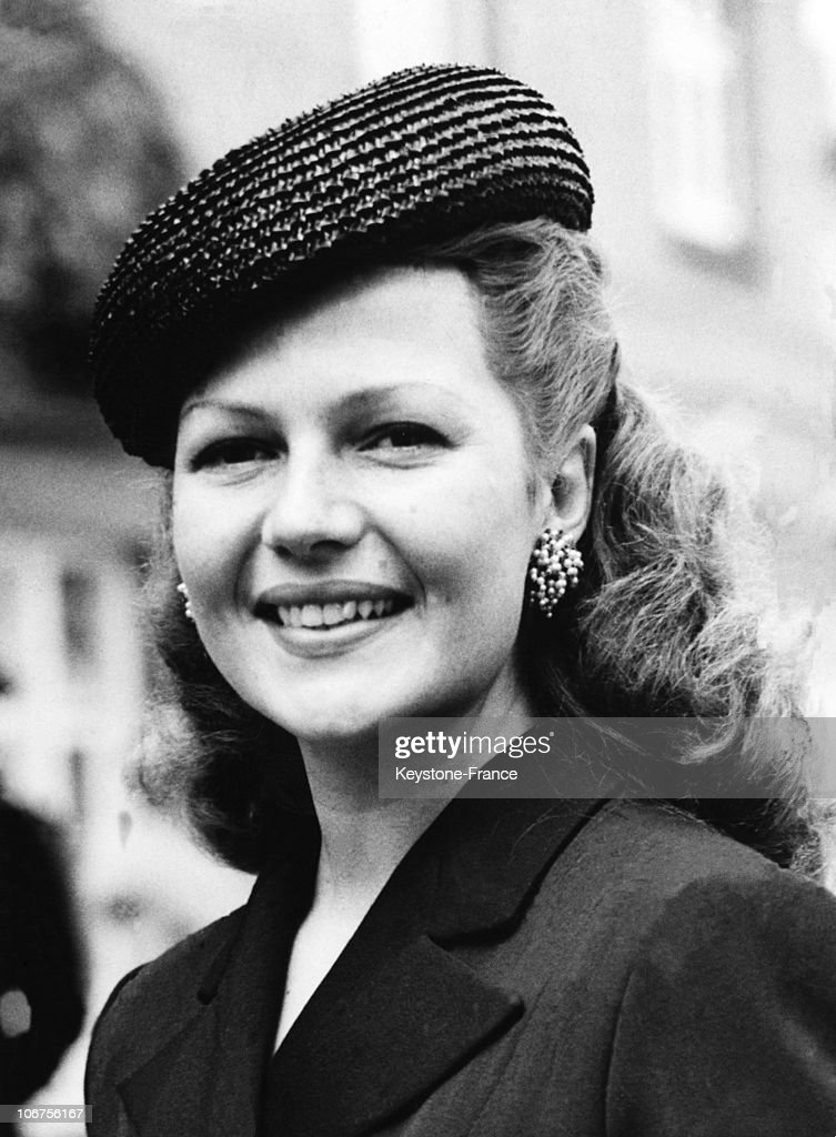 Great Britain, Ascot Meeting, Rita Hayworth. June 1950 : News Photo