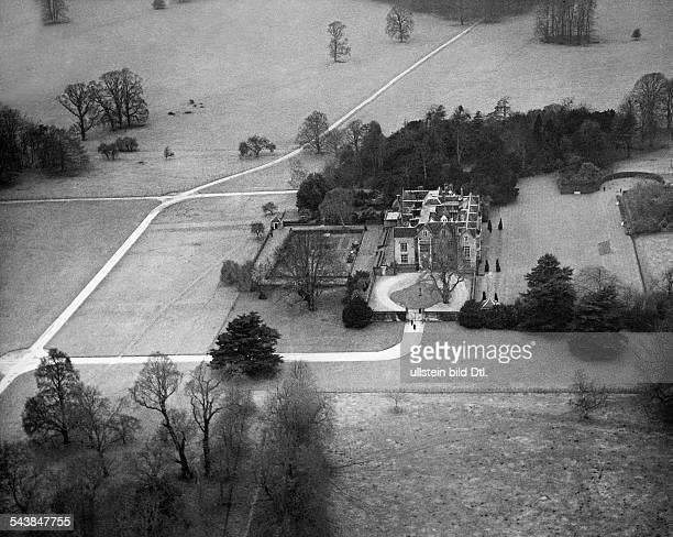 Great Britain Chequers castle the country estate of the prime minister 1940 Photographer PresseIllustrationen Heinrich Hoffmann Published by...