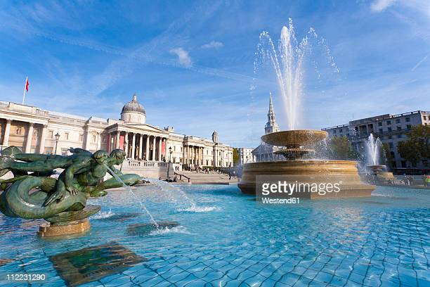 great britain, england, london, trafalgar square, view of fountain at national gallery museum - trafalgar square stock pictures, royalty-free photos & images