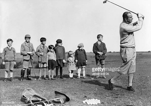 Great Britain Fairbanks, Douglas, Sr. - Actor, director, screenwriter, producer, USA - *23.05.1883-+ playing golf with children in England - 1931...