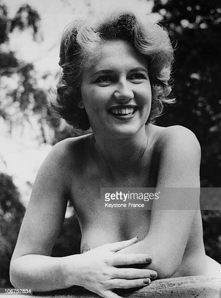 Great Britain Katy Cashfield Star Of The Nudist Paradise On 1959 February 11Th
