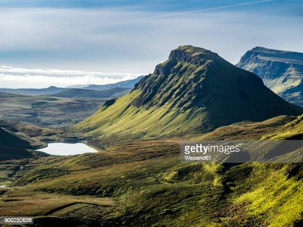great britain, scotland, isle of skye, view from pass quiraing - scotland photos et images de collection