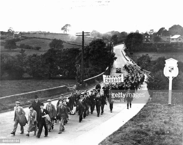 Great Depression 19291936 Jarrow March of unemployed miners and shipbuilders from North East England set out on 5 October 1936 to march the 280 miles...