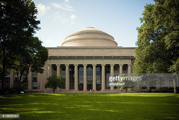 great dome overlooking killian court at massachusetts institute of technology - massachusetts institute of technology stock pictures, royalty-free photos & images