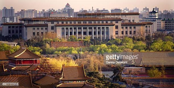 great hall of the people, red pavilion, forbidden city, beijing, china - gran salón del pueblo fotografías e imágenes de stock