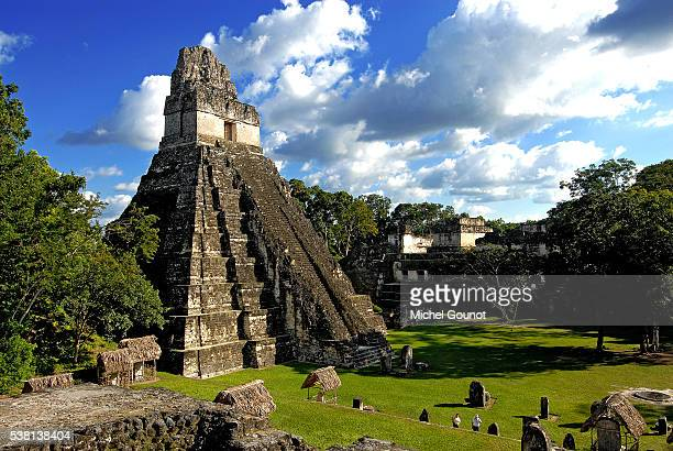 great jaguar temple, tikal - guatemala stock pictures, royalty-free photos & images