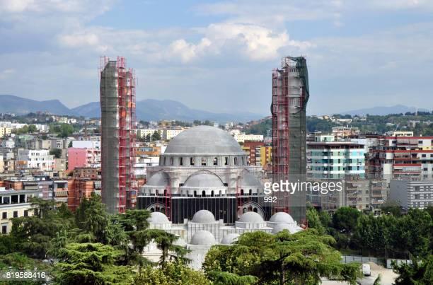 great mosque of tirana - tirana stockfoto's en -beelden