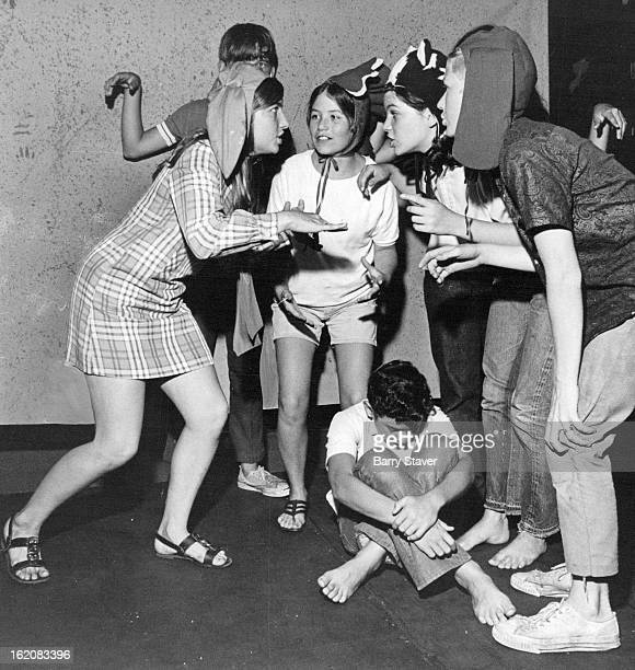 JUL 23 1970 JUL 28 1970 Great Park Hill Community Group This is How We're Going to OutSmart the Robbers The Bremen Town Musicians plot their course...