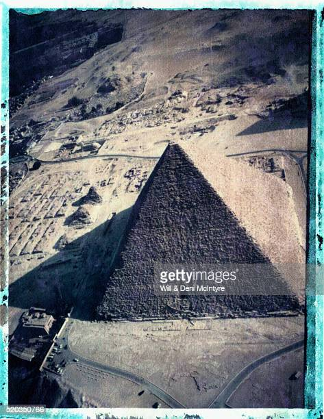 great pyramid of giza - transfer image stock pictures, royalty-free photos & images