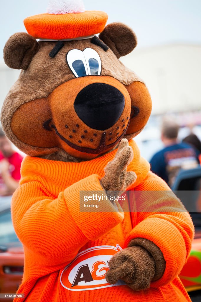 Great Root Bear Au0026W Mascot & Bear Mascot Costume Stock Photos and Pictures | Getty Images