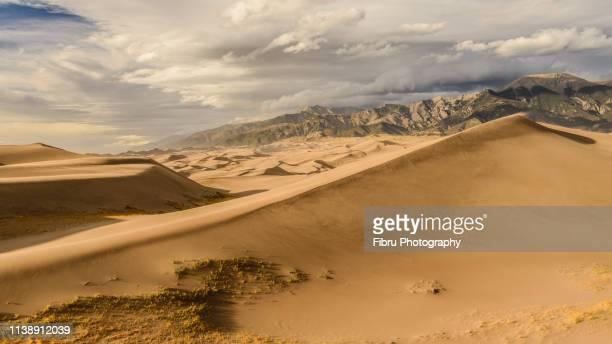 great sand dune national park landscape - colorado westliche bundesstaaten der usa stock-fotos und bilder