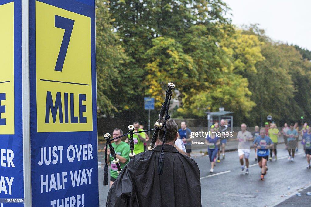 Great Scottish Run Bagpiper : Stock Photo