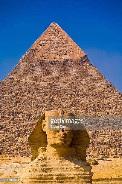 great sphinx and great pyramid, egypt - the sphinx stock pictures, royalty-free photos & images