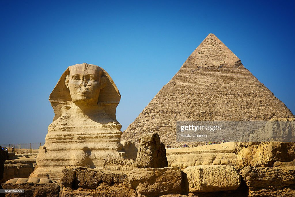 Great Sphinx and Pyramid of Khafre : Stock Photo