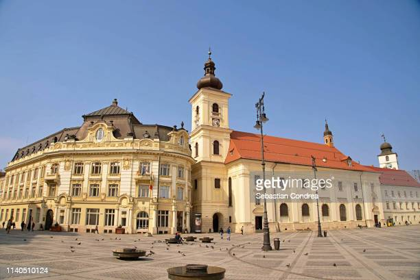 great square, one of the three beautiful squares in the historical center of the upper town of sibiu, romania - sibiu stock photos and pictures