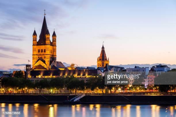 great st. martin church, cologne, germany - colónia renânia imagens e fotografias de stock