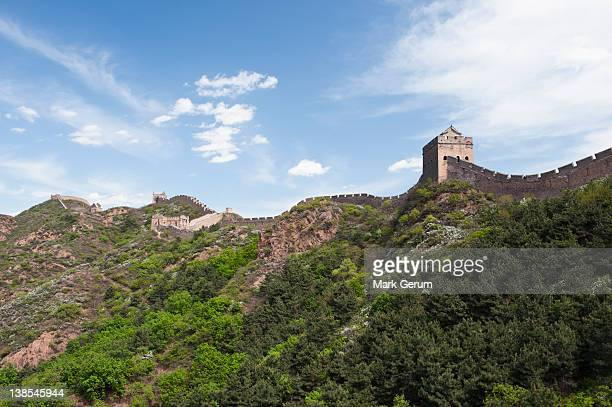 great wall of china and the hill below - lookout tower stock pictures, royalty-free photos & images