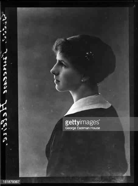 Grece Princesse Helene, between 1900 and 1919.