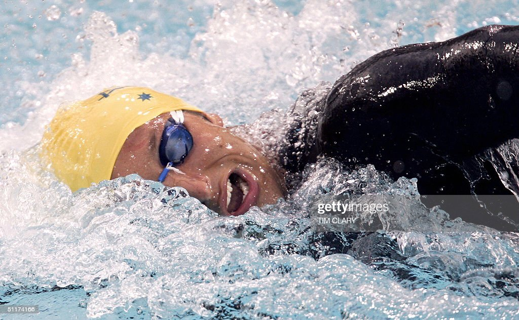 Australian Ian Thorpe performs during the men's 200m freestyle semi-final 2 at the 2004 Olympic Games at the Olympic Aquatic Center in Athens, 15 August 2004.