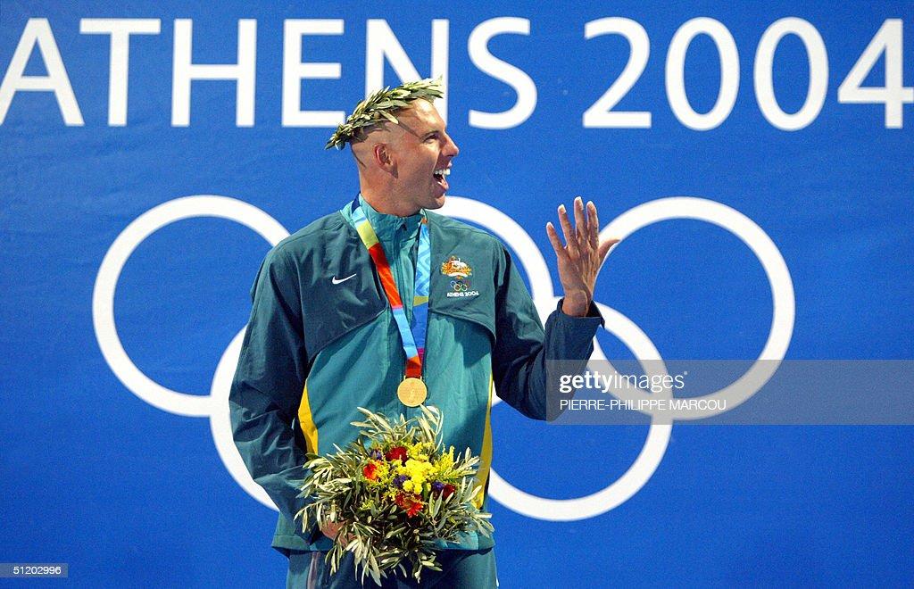 Australia's Grant Hackett jubilates on t : News Photo