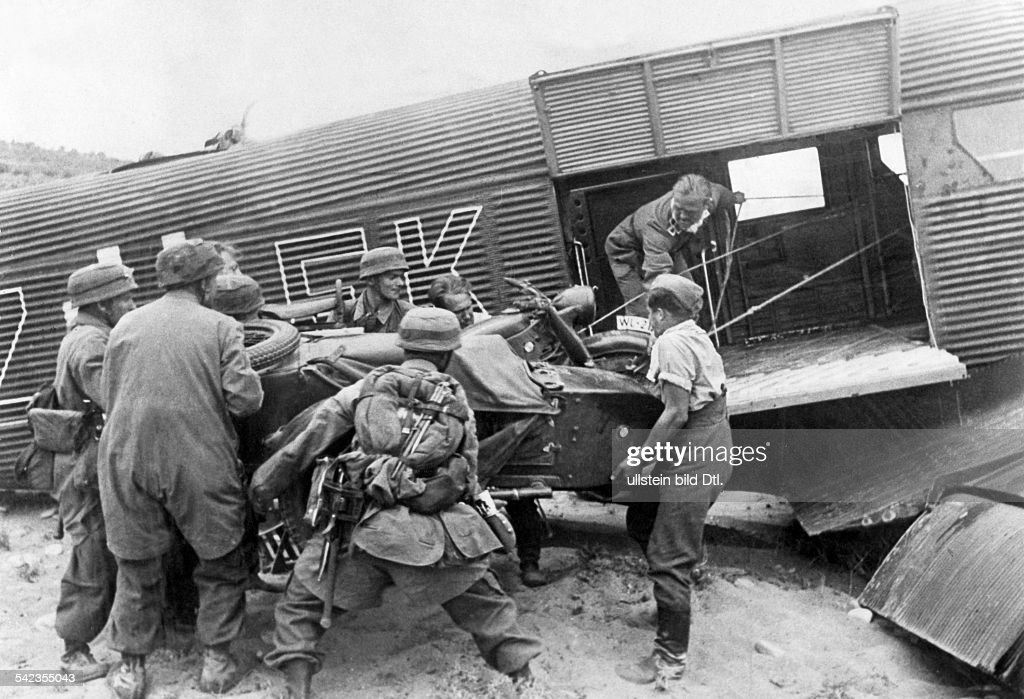 https://media.gettyimages.com/photos/greece-campaign-conquest-of-crete-operation-mercury-supplies-and-for-picture-id542355043