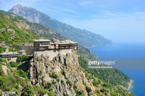 greece, chalkidiki, mount athos peninsula, listed as world heritage, simonos petra monastery - peninsula de grecia fotografías e imágenes de stock