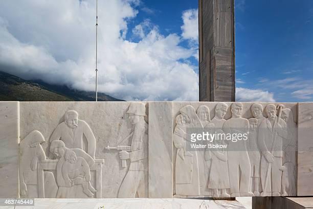 greece, distomo, war memorial - greece wwii stockfoto's en -beelden